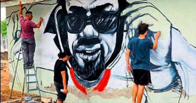 Buca'nın duvarları sanatla boyanıyor