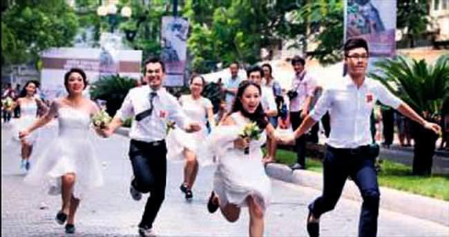 Koş aşkım koş! Bedava balayı var