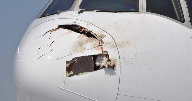 Kalkışa geçen uçak acil iniş yaptı!