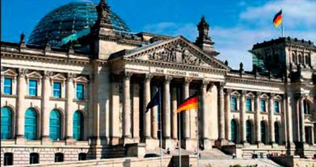 Alman meclisi Yunanistan'ın paketini onayladı