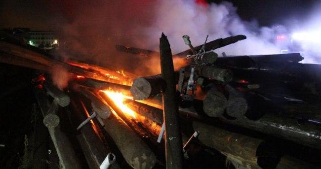 Tam 150 elektrik direği yandı