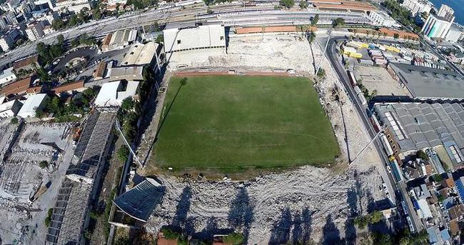 Alsancak Stadı yıkıldı