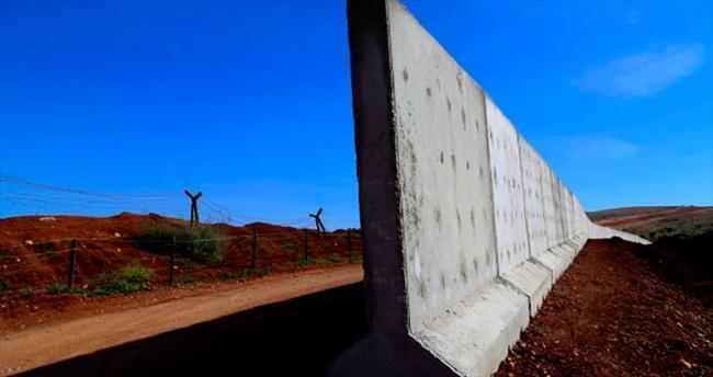 Sınırların yerinde duvarlar yükseliyor