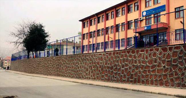 Mamak'ta altı okulun dış cephesi boyanacak