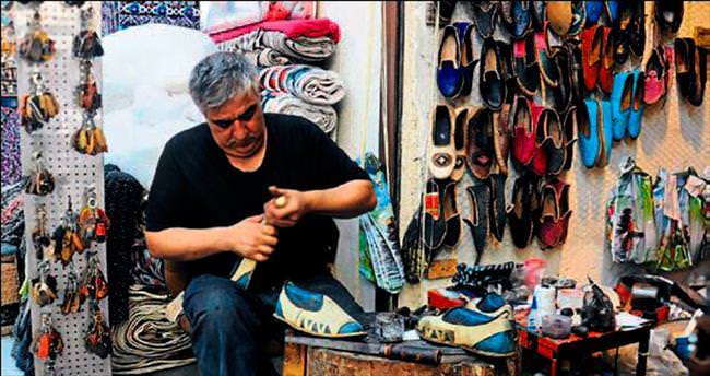 Hollywood çarıkçısından hacılara özel sandalet