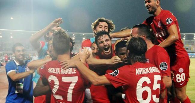Antalyaspor'dan tarihi başlangıç