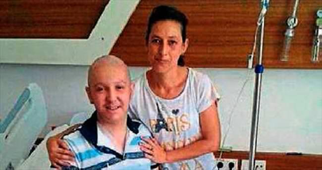Lösemi hastası gence Uğur'dan yardım eli