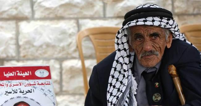 İsrail'den Filistinlilere gözaltı zulmü