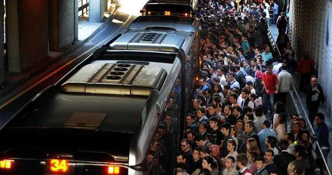 Eylem hazırlığındaki kişiler metrobüste yakalandı!