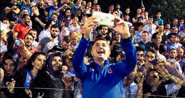 Şota'dan Totti selfiesi