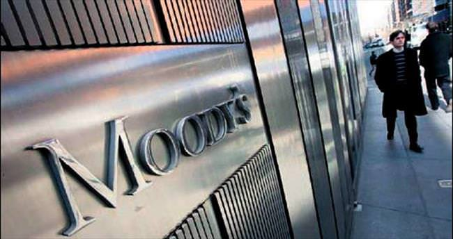 Moody's çizmeyi yine aştı
