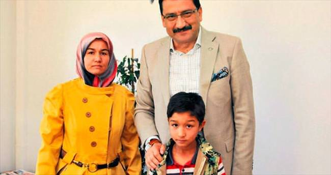 Başkan Ak 15 yıllık aile özlemini dindirdi