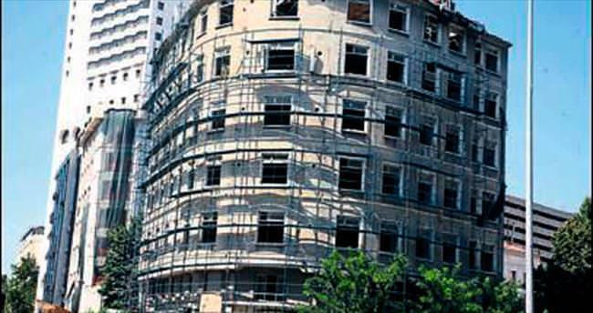 Atlas Oteli'nde restorasyon başladı