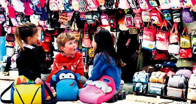 Okul çantasında pazar karıştı