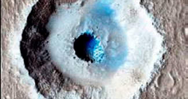 Mars'ta dev buz kütlesi bulundu