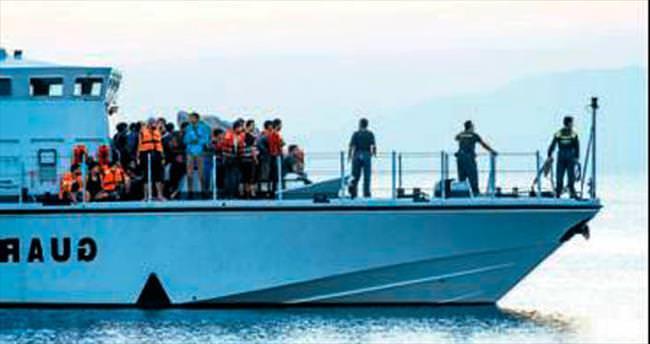 Türk kaçakçılar çatıştı bir mülteci can verdi
