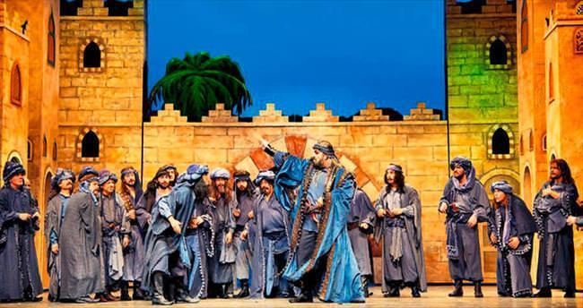 Aspendos'ta Hamlet ve Ali Baba gecesi