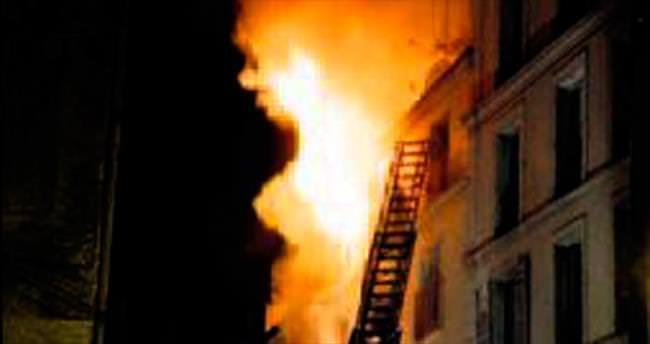 Paris'te 'şüpheli' yangında 8 ölü