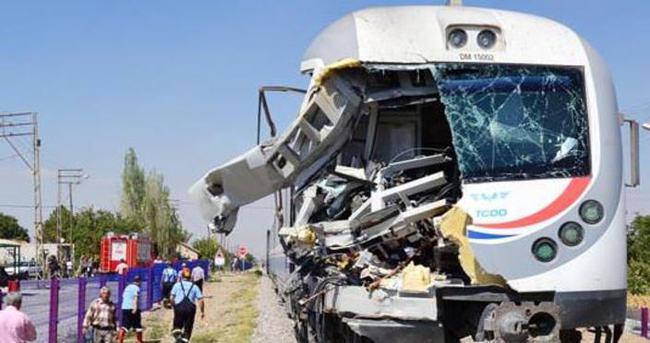 Elazığ'da iki tren çarpıştı!