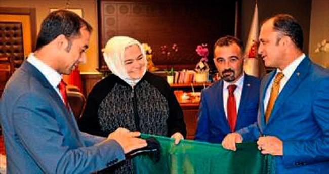 Bakan Gürcan'a hemşeri ziyareti