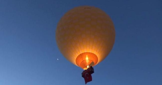 Kapadokya'da balonlar şehitler için havalandı