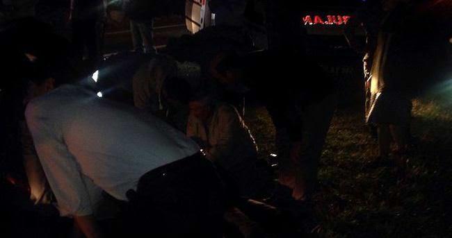 Şehit cenazesinden dönen askeri araç kaza yaptı : 11 yaralı