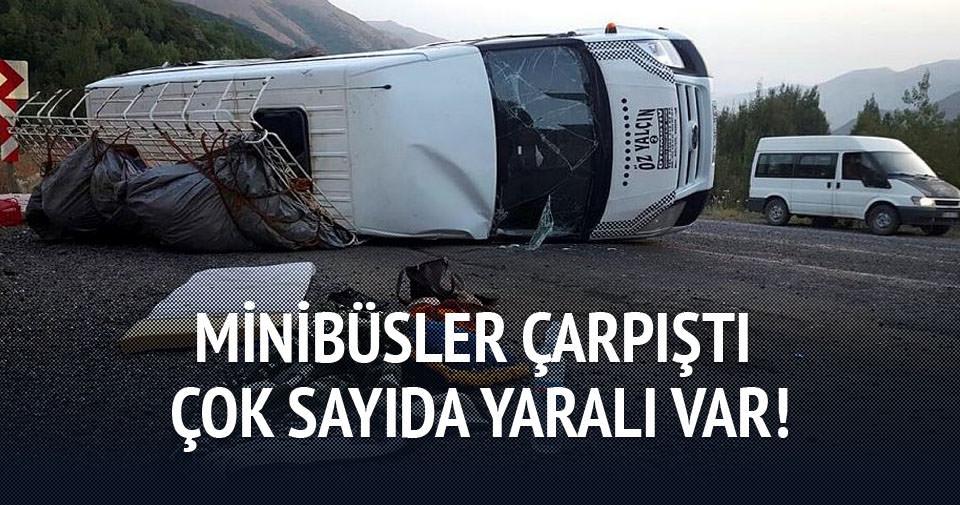 İşçileri taşıyan minibüsler çarpıştı!