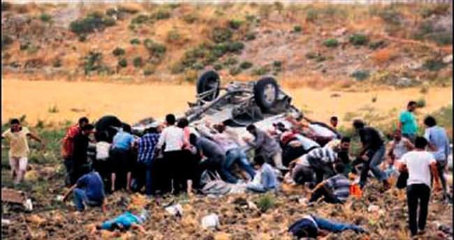 İş dönüşü korkunç kaza: 6 ölü, 39 yaralı