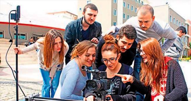 Ünlü sinemacılar gençleri eğitecek