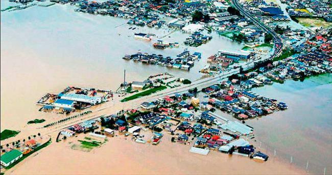 Japonya'da sel 3 can aldı 26 kişi kayıp