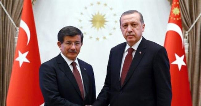 Erdoğan'dan Davutoğlu'na tebrik telgrafı
