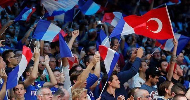 Fransa-Türkiye maçında seyirci rekoru