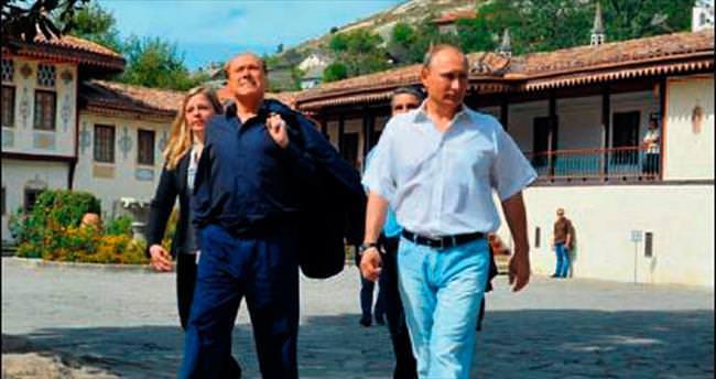 Berlusconi'den Kırım'a dost ziyareti