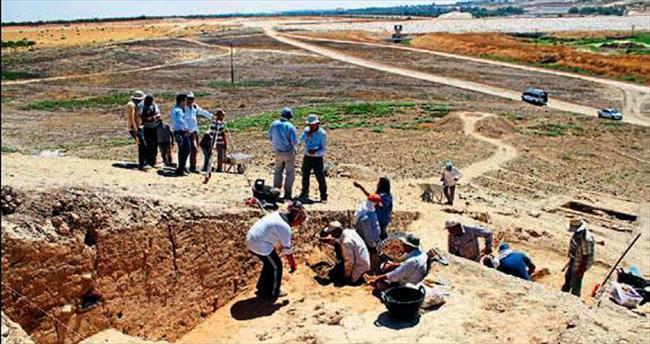 Yenice Höyüğü'nde 4 bin 500 yıllık parçalar