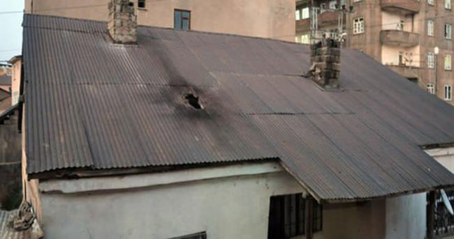 Hendek kapatan polise ateş açıldı