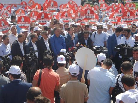 Diyarbakır'da 600 STK barış çağrısı yaptı!