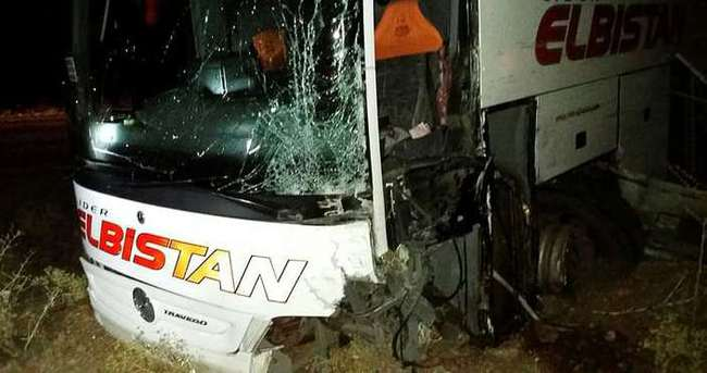 Otobüs kazası baba ile oğlu ayırdı