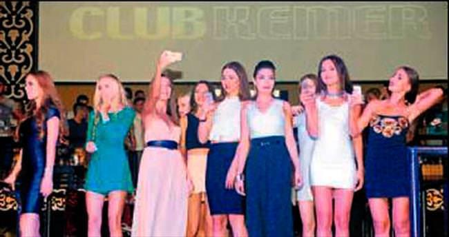 Güzeller gece kulübünde