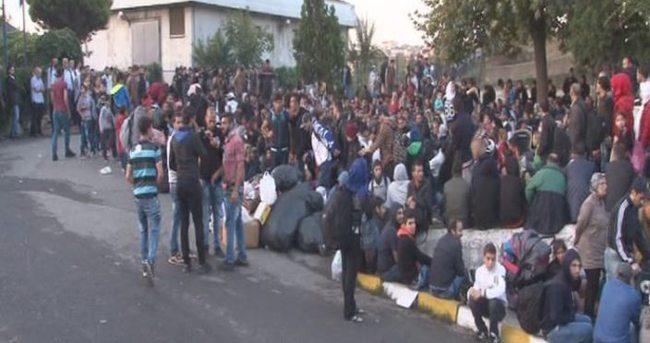 Suriyeli mülteciler otogarda sabahladı