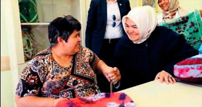 Bakan Gürcan'dan engellilere ofis desteği