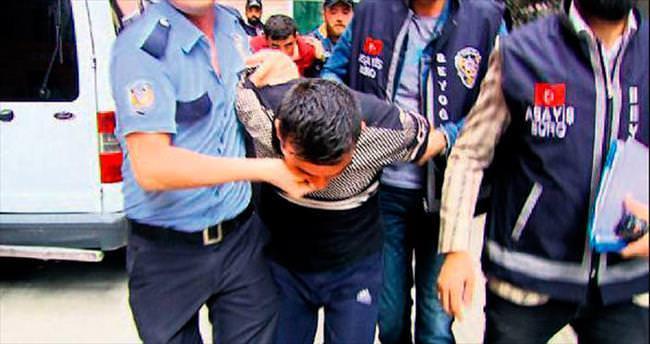 Üç Suriyeli, Iraklıları polis rozetiyle gasp etti