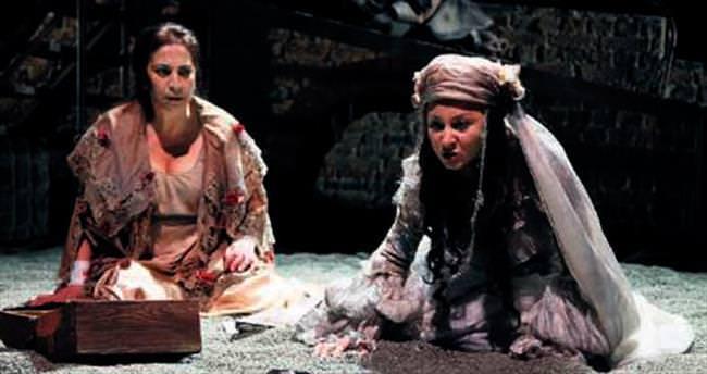 Şehir Tiyatroları'nın Kıbrıs çıkarması