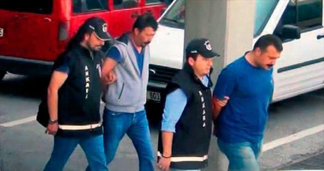 Maliyeden kaçarken polise yakalandılar