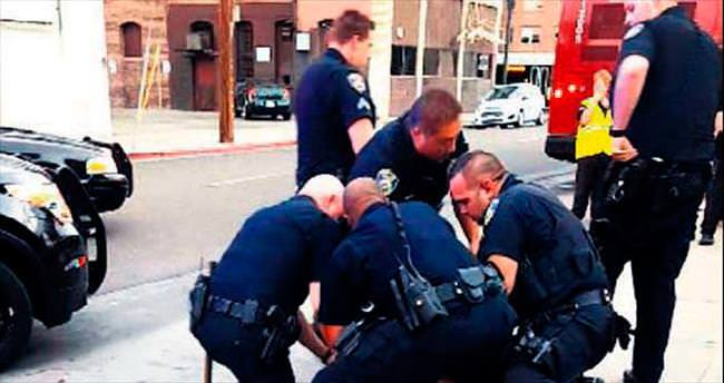 ABD polisi siyahi gence acımadı
