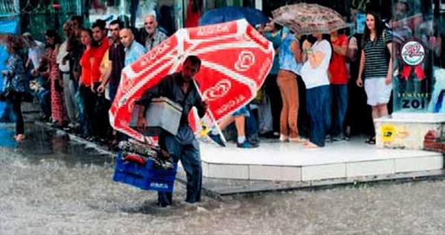 Adana'yı sel aldı