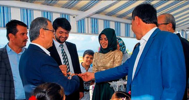 Emniyet müdürü kızını nişanladı