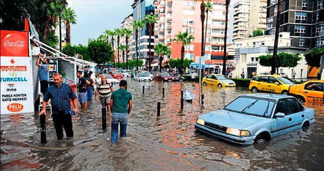 Vizyonsuz yöneticiler Adana'yı mahvetti
