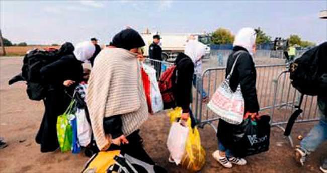 Bir günde 10 bin sığınmacıyla rekor