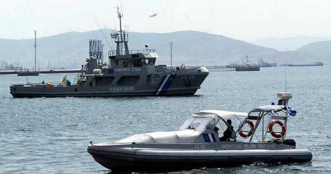 Ege'de kaçak botu battı: 8 kişi aranıyor
