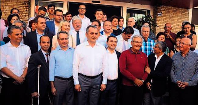 CHP'de Baykal'lı bayramlaşma
